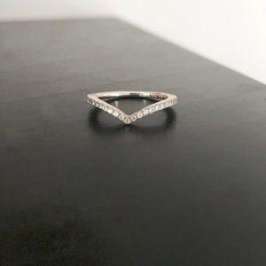 PANDORA ✨ Wishbone Ring